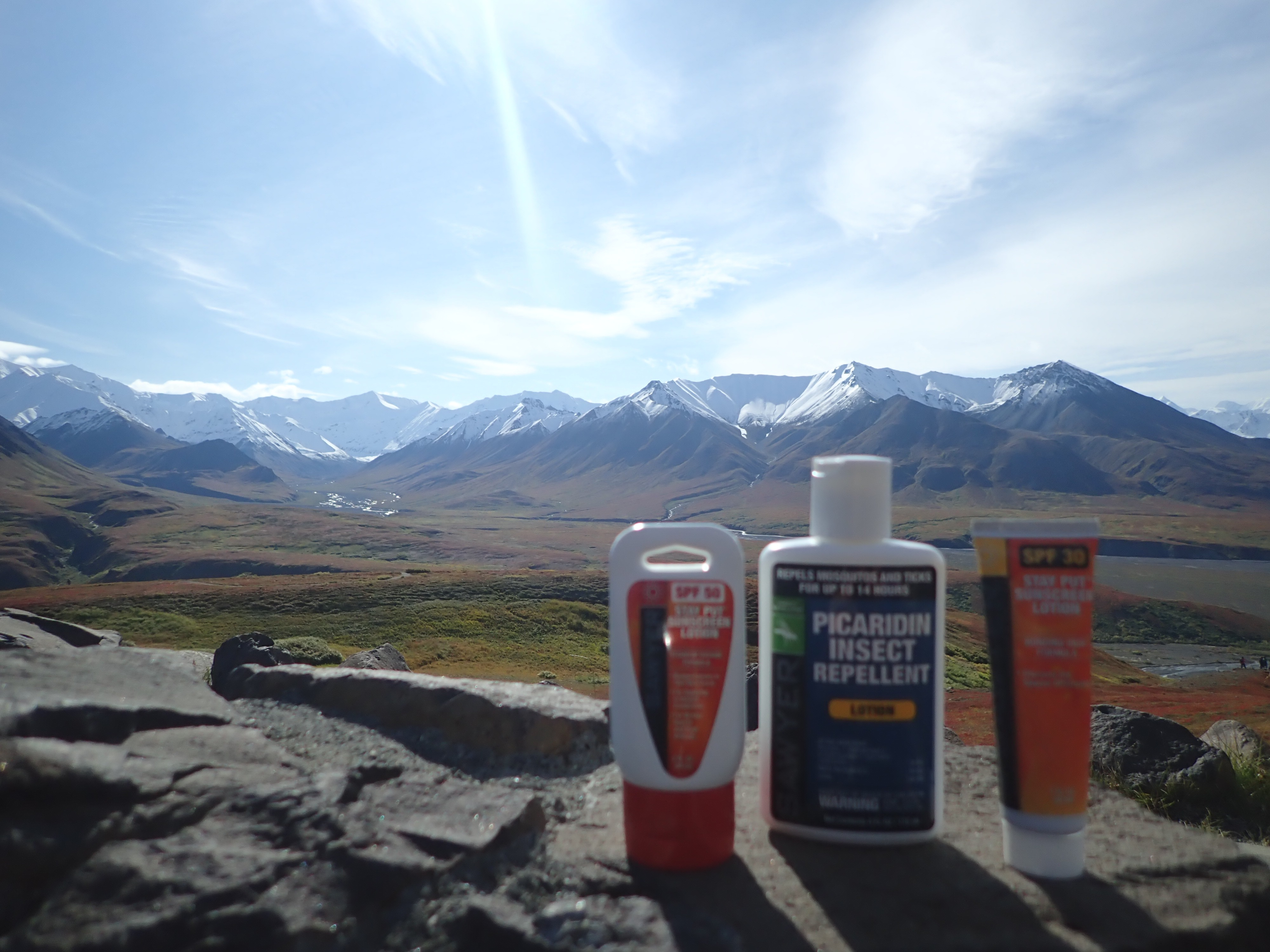 Crème solaire et insecticide